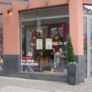 Stracke_Deco_Shop_Retail_Schaufensterdekoration_Optiker_ETNIA_04.jpg